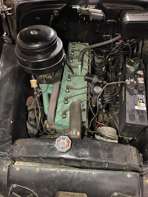 1953 Pontiac Chieftain-straight 8 and tranny