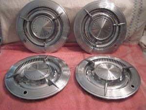 1961 Pontiac spinner hub caps