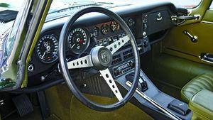 Jaguar's Sports Car Grows Up - 1971-1974 Jaguar E-Type V-12 Series III