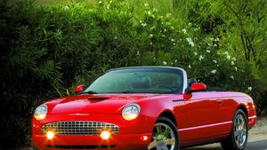 It's a buyer's market for Ford's final T-Bird… for now