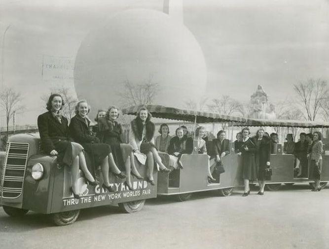 OnlyClassics 1939 STREAMLINER Eastern Railroad Locomotive Train Photo New York Worlds FAIR