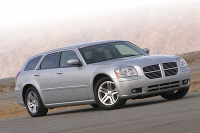 Hard Charging Hemi Hauler 2005 Dodge Magnum Rt Hemmings
