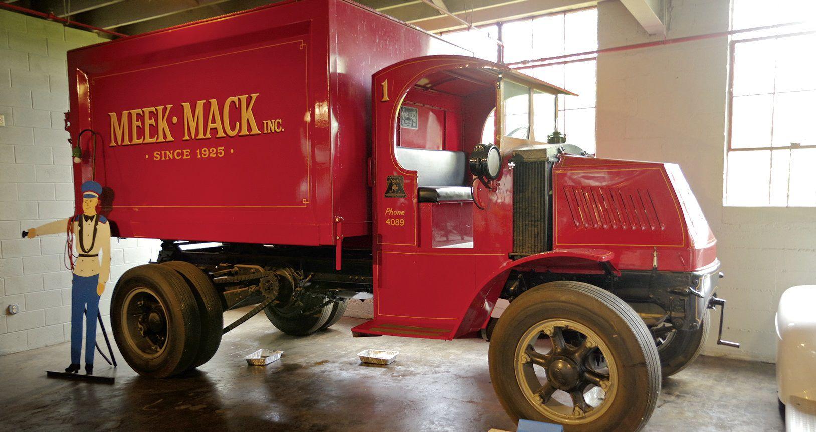 Deco Tonneau De Vin national auto & truck museum   rk motors classic cars and